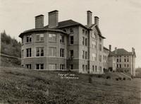 1909 Main Building: Science Annex