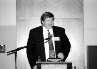 1993 Reunion--WWU Provost Larry DeLorme Addresses Banquet Attendees (C) (photo by Jeff Wolfe)