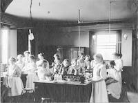 1909 Class In Cooking (Eighth Grade)