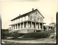 The first Bellingham Hotel - derelict hotel  in early settlement