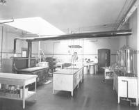 1930 Edens Hall: Kitchen
