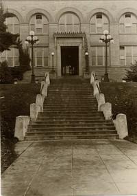1917 Main Building: Entrance
