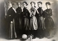 1909 Basketball Girls