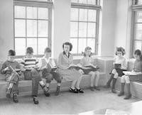 1945 Fourth Grade Reading Group With Elaine Dahlgren