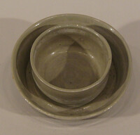 Table leg bowl with cupped center