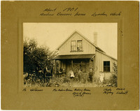 Benson Farmhouse, Lynden (Wash.) with family and horses posing in front