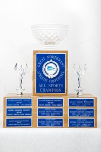 General Trophy: GNAC All sports champion (front), 2001/2010