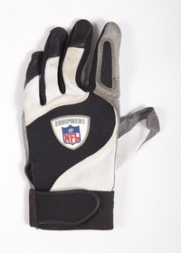 Football Glove: NFL glove worn by Erik Totten while with the Pittsburgh Steelers,             1998/2002