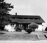Off-campus housing: 715 High Street