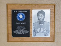 Hall of Fame Plaque: Gary White, Men's Basketball (Forward), Class of 1986