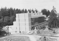 1993 Chemistry Building: Construction