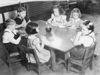 1940 Snack Time (Class 1-A)