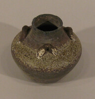 Jarelt with three small loop handles at shoulder