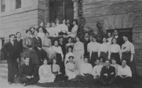 1906 Students in front of Old Main