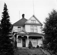 Off-campus housing: 624 North Garden Street