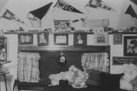 1906 Edens Hall: Interior