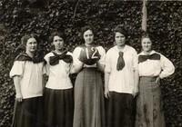 1912 Basketball Girls
