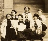 1913 Basketball Girls (Seniors) with Kline Cup