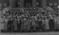 1925 Edens Hall: Residents on Steps