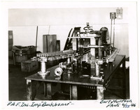 Boning and splitting machine used in fish canning