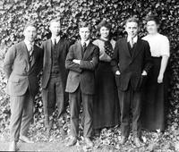 1916 Students' Association: Employees