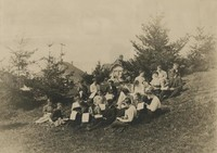 1906 Art Class Sketching on Knoll