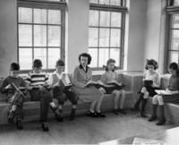1945 Fourth Grade Reading Group With Elaine Dahlgren