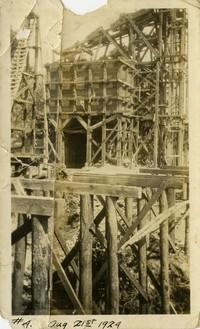 Lower Baker River dam construction 1924-08-21 cofferdam