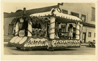 Parade float of Bellingham School of Music and Art, 1923
