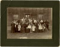 Everett family members at Custer