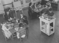 1944 Lunch time