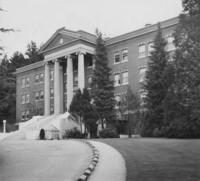 1953 Edens Hall: Exterior