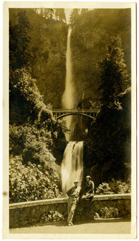 Two unidentified people at Multnomah Falls