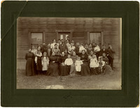 Everett family members at Custer