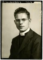 Reverent W. Robert Webb