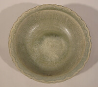 Sawankhalok ware bowl, lightly barbed rim with incised meander band at rim