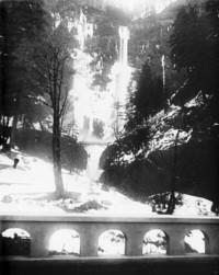 Waterfall and bridge at Multnomah Falls, Oregon