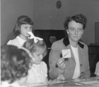 1945 Synva Nicol With Kindergarten Students
