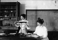 1910 Science Laboratories: Early Years