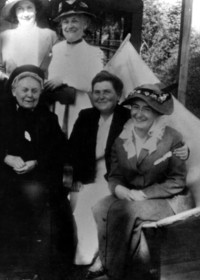 Women including Frances Payne Larrabee