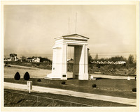 Peace Arch shortly after construction