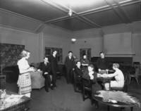 1930 Edens Hall: Blue Room