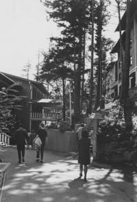 1970 Students Outside Ridgeway Dormitories