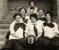 1913 Basketball Girls (Seniors) with Kline Cup