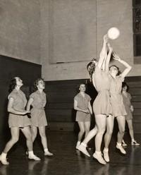 1947 Basketball Girls