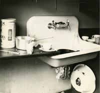 Off-campus housing: Sink