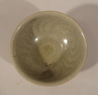 Sawankhalok ware bowl with lightly incised lines in interior