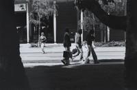 1975 Viking Union: Students on High Street