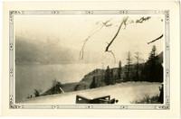 Gravel road along Columbia River